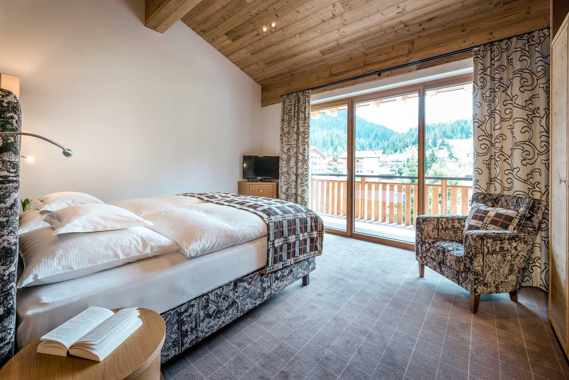 zimmer tagespreise in lech im sommer hotel auenhof. Black Bedroom Furniture Sets. Home Design Ideas